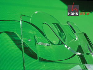 gelaserter-Plexiglas-Schriftzug-HOHN-Display